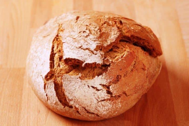 Hruškův Celozrnný Pivní Chléb